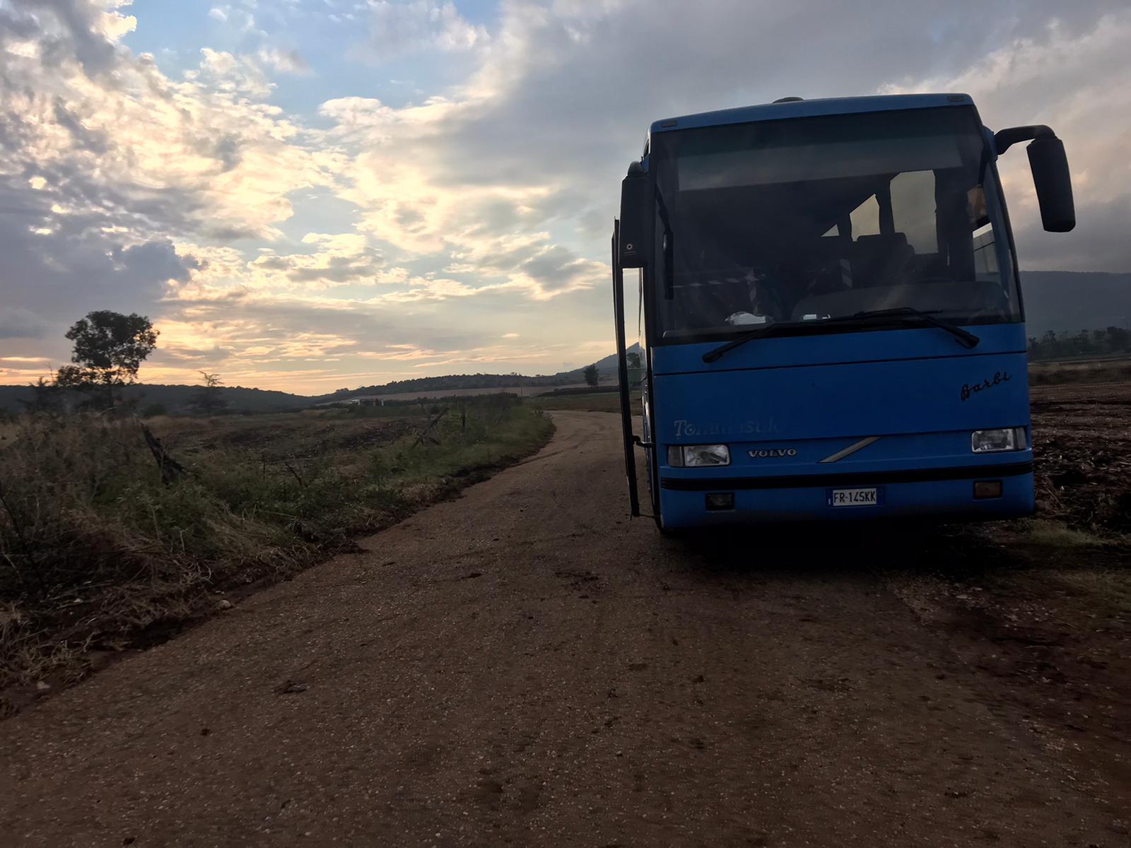 Casa Sankara ottiene due pullman per il trasporto dei lavoratori nei campi